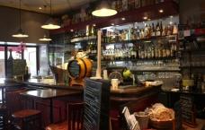 bar-bois-pot-vin-bouchon-lyon