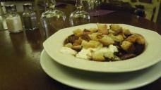 plat-typique-cuisine-lyonnaise
